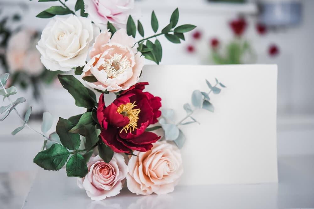 Modern Sugar Flower Arranging on Cakes
